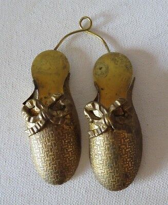 antique VTG BRASS WALL MATCH SAFE HOLDER shoes slippers~PAIR~BOW AT TOE EMBOSSED