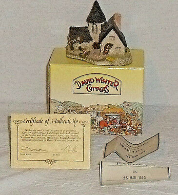 David Winter Cottages VICARAGE 1985 In Box With Paperwork