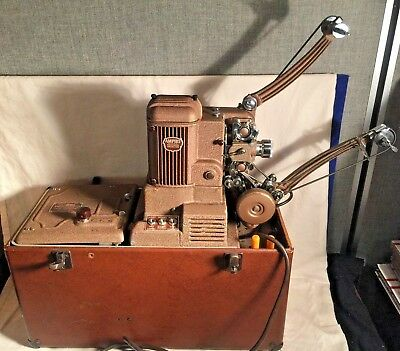 Vintage 1950's AMPRO 16mm film SOUND movie PROJECTOR Premier 40