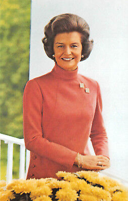Postcard - Betty Ford Wife of President Gerald Ford - Vintage Unused A08