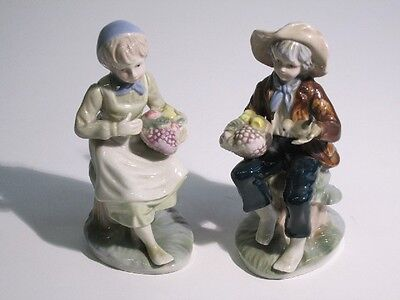 Lovely Pair Of Statuettes Porcelain Painted Peasants Period '900