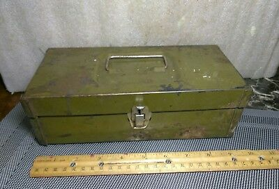"Vintage Green Metal Lock Box With Handle. It's 9.25"" X 4.25"" X 3.25"" Inches."