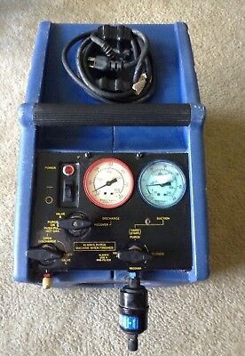 Pinnacle oil-less model 5115 refrigerant recovery machine W/ operation manual.