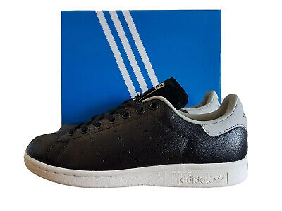 Adidas Unisex Girls Boys Stan Smith Fashion Trainers Black BY8880 UK 3.5 to 5.5