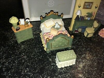 Avon: Victorian Memories Miniature Furniture : Bedroom (5 Piece Set) NIB