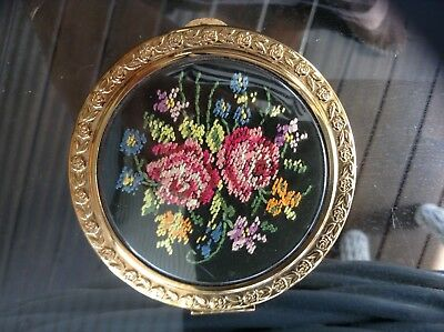 Vintage compact with  mirror from the 1950's.