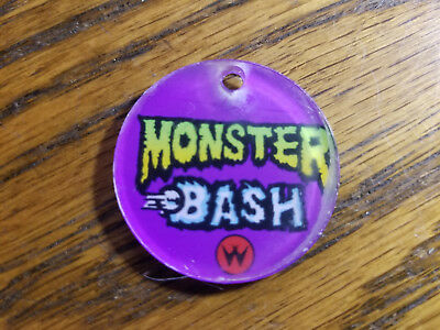 Monster Bash Pinball Promo Plastic Keychain / Key Fob Bally Williams