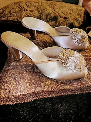 Vtg DANIEL GREEN TAUPE POMS W HEELS GLAMOUR SLIPPERS Shoes PEEP TOE 8 M