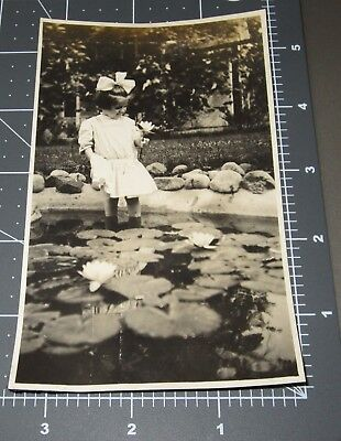 Young Girl Playing in LILLY PADS City Fountain Park Water Vintage Snapshot PHOTO