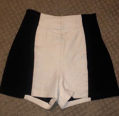 Wilsons Leather Womens Shorts White W/ Black Stretch Back Size Large