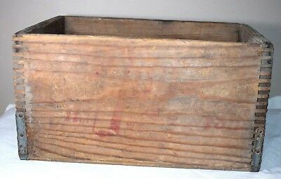 Vintage 7 UP Wooden Bottle Crate General Box Distributing Oakland CA Dovetail