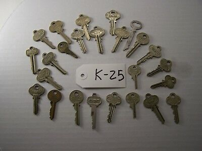 Lot of 25 antique keys, Yale, Schroder, Segal, Corbin, Master and others