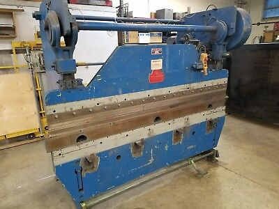 Press Brake with Tooling Sets