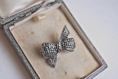 Fine Vintage Art Deco Silver And Marcasite Bow Brooch Pin 2 X 1.5 Cms 4.8 Grams