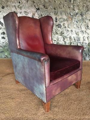 VINTAGE ART DECO LEATHER WINGED LIBRARY CLUB ARM with unique mottled patina