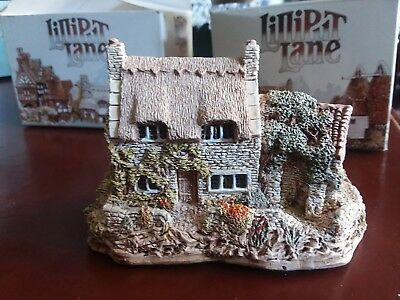 LILLIPUT LANE Cobblers Cottage 1986 3 inch tall