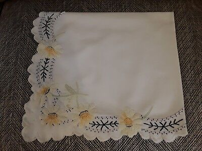 Vintage hand embroidered linen tablecloth embroidery daisy flowers floral