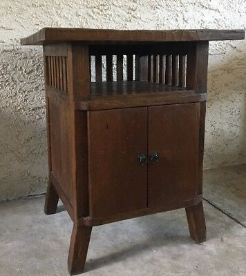 Antique Craftsman Mission Oak Hand Carved Top End Table 2 Door Cabinet 1915-1925