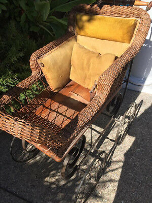 Antique Heywood And Wakefield Wicker Baby Carriage With Parasol Wicker Buggy