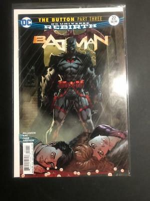 Batman #22 Rebirth DC Comics Variant THE BUTTON Flash Zoom