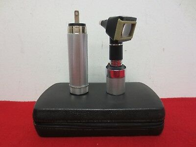 Welch Allyn 3.5V Otoscope and Plug in Rechargeable Handle 71050 TESTED