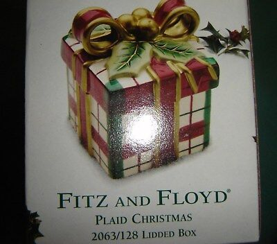 Fitz And Floyd Plaid Christmas Lidded Box 2063/128  with Bow and berries