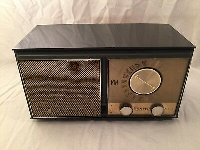 Vintage 1950s Zenith M723 AM/FM Tube Radio Tested Works