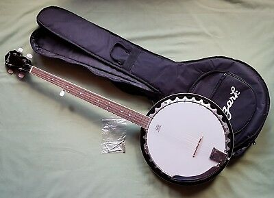 Mint condition 5 string OZARK Banjo.   Nice quality and lovely sound. With Case