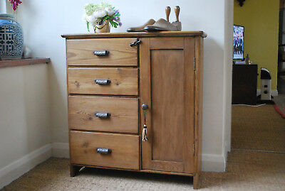 cute little vintage 1900 era stripped pine chest of drawers /cupboard cabinet