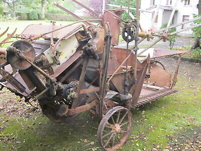 VINTAGE MACHINE CIRCA 1930s ALBION 5A CORN REAPER BINDER WITH IRON WHEELS IN N.I