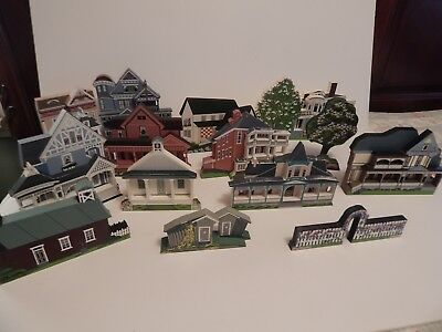 Sheila's Collectibles Wood Houses and Accessories 15 piece Lot