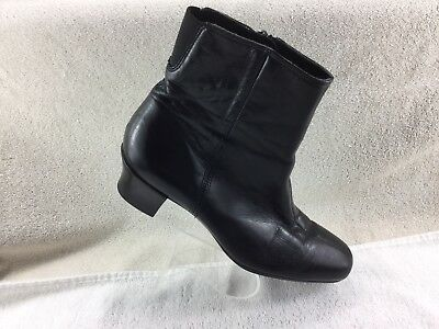 38ff8acb7accd Monroe Black Leather Ankle Boots Side Zip Womens Size 7M