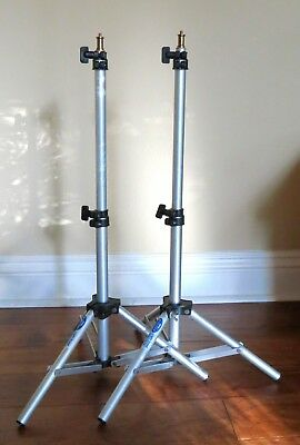 3 Photographic Lighting Tripods for background light and hair light