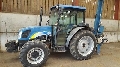 New HollandFord tractor T4030 4WD. Superb condition