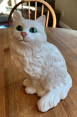 Large Royal Doulton Seated Persian White Cat 1867