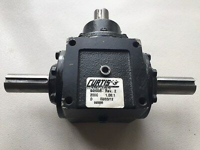 """Curtiss 40 HP Right Angle Bevel Gearbox With 3 1.00"""" Keyed Shafts 1:1.06"""