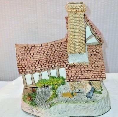 TOM FOOLS Cottage By David Winter, Hand Made & Painted-Quality Craftsmanship!