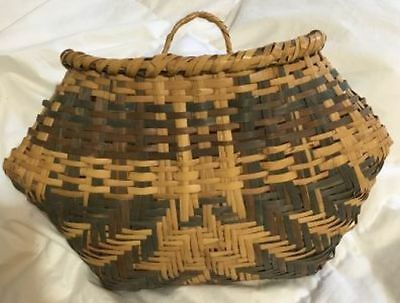 Choctaw River Cane Bull Nose Wall Pocket  Basket 13 inches across