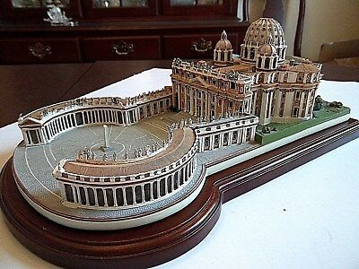 Danbury Mint The Vatican from Collection of Historic Catholic Churches Replica