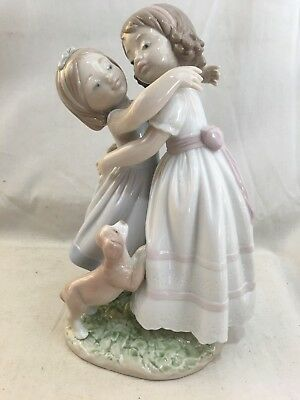 """Very Nice Orig. Vint. Lladro Sisters w/ Puppy """"Give Me a Hug"""" New in Box 8046"""