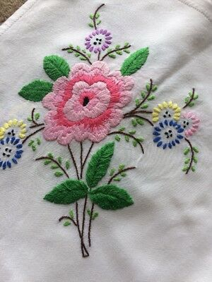 """Exquisite Vintage Embroidered Tablecloth Floral Beautiful Colourful VGC 32"""""""