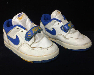 Vintage - 1980's Pair of NIKE Toddler Tennis Shoes - Kids, Child
