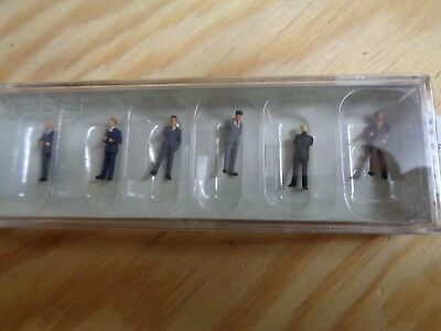 Tt = 1:120 Preiser 75032 Business People Figures. Orig. Packaging