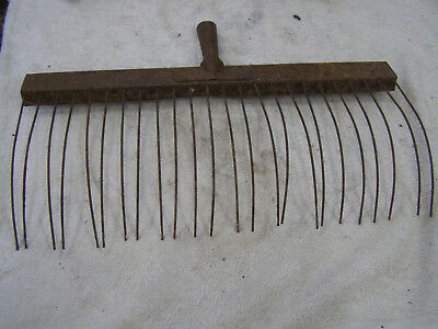"Vintage 17-1/2"" Wide Rustic All Metal Rake Head No Missing or Broken Tines"