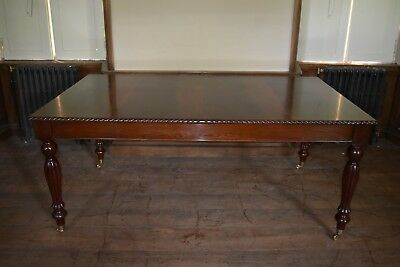 A Mahogany William IV style dining table