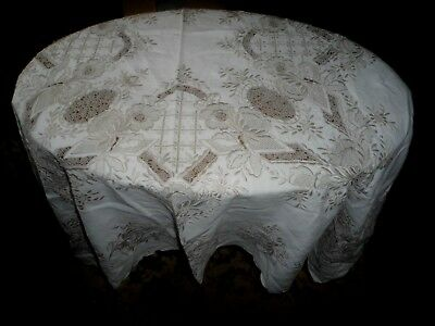 """A Stunning Gorgeous Madeira Embroidered And Lace Detail Tablecloth 50"""" X 49"""""""