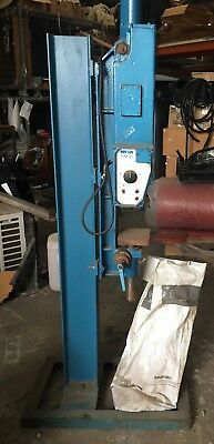 ** RARE ** HERCUS PIM 20 INJECTION MOULDER - HAND OPERATED, 240 v, PICK UP