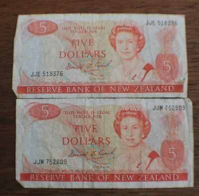 Two Circulated New Zealand 5 Dollar Banknotes
