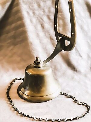 Vintage Horseshoe Hanging Mountable Old Fashioned Brass Dinner Bell with Chain