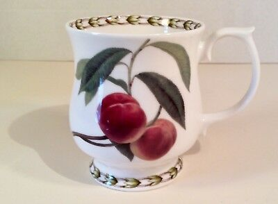 """""""PEACHES (A)""""~Rosina-Queen's Collection HOOKERS FRUIT Footed Mug 3 5/8"""", England"""